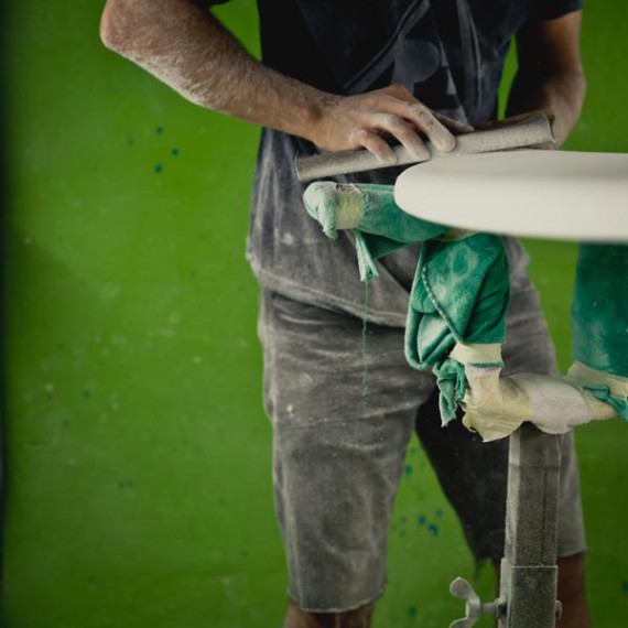 pt-surfboards-shaping